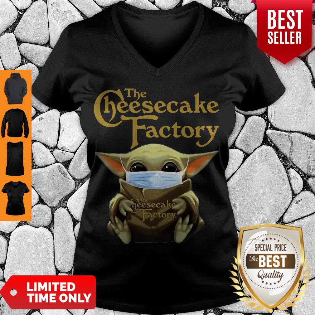 Nice Baby Yoda Mask The Cheesecake Factory Coronavirus V-neck