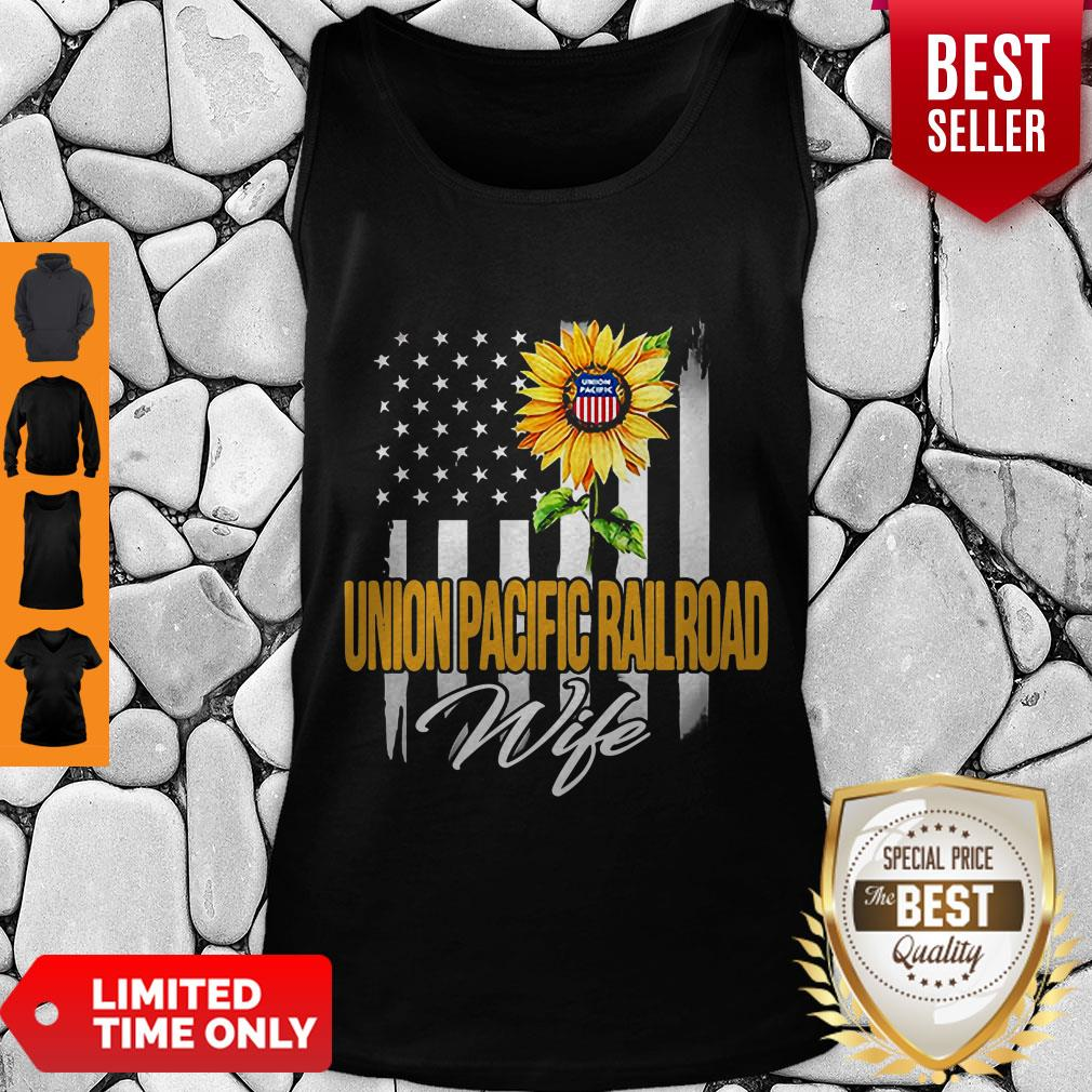 Nice Sunflower Union Pacific Railroad Wife American Flag Tank Top