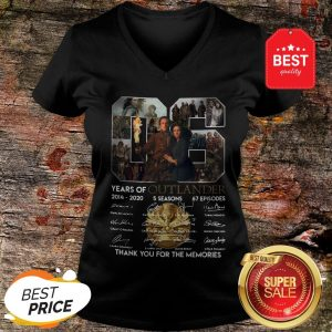 Nice 06 Years Of Outlander 2014 2020 Signature Thank You For Memories V-neck