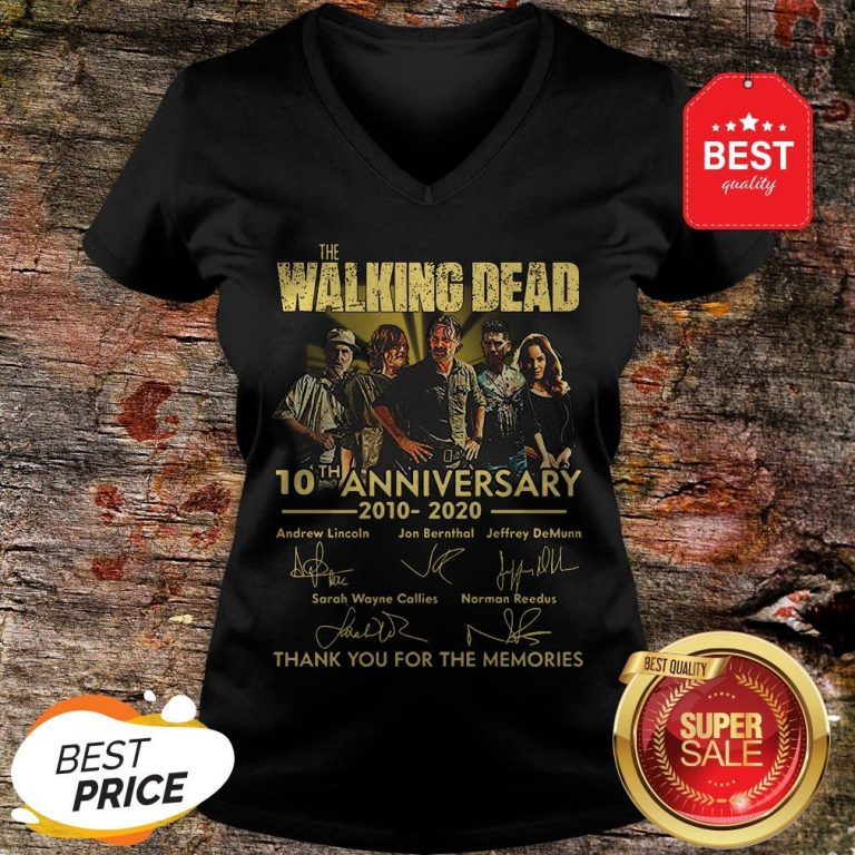 Nice The Walking Dead 10th Anniversary 2010 2020 Signatures Thank You For The Memories V-neck