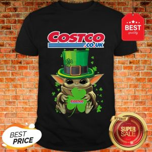 Baby Yoda Hug Costo Co.Uk Shamrock St.Patrick's Day Star Wars Shirt