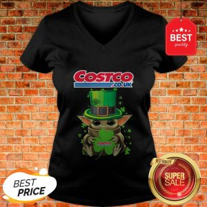 Baby Yoda Hug Costo Co.Uk Shamrock St.Patrick's Day Star Wars V-neck