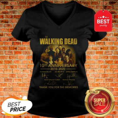 The Walking Dead Character 10th Anniversary 2010-2020 Signatures V-neck