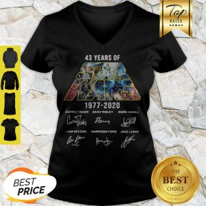 43 Years Of Star Wars 1977-2020 Signatures Carrie Fisher V-neck