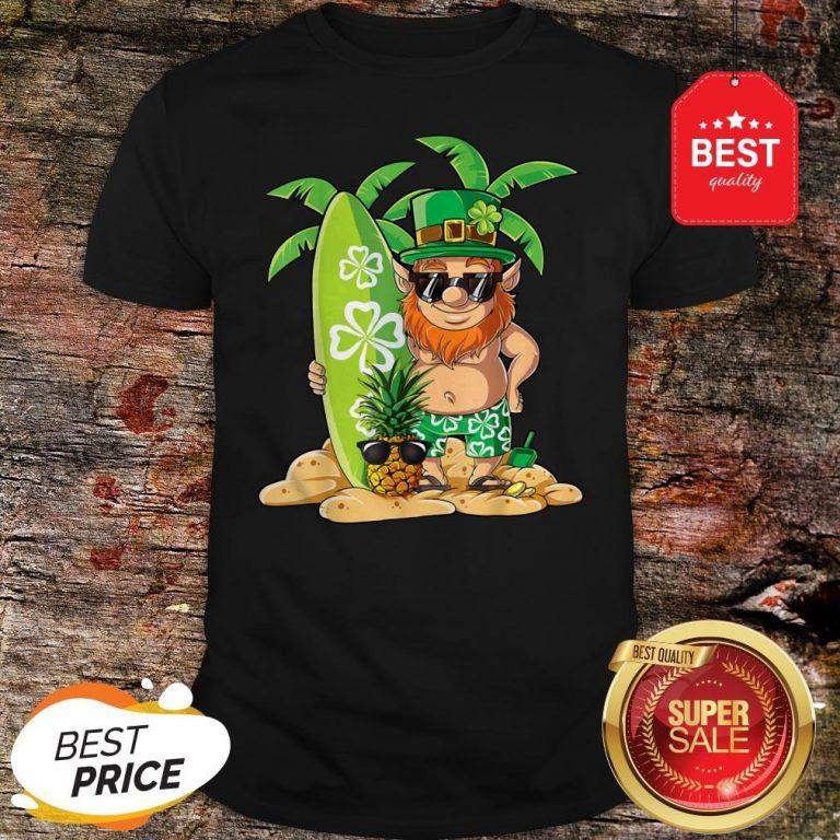 Leprechaun Hawaiian Surfing St Patricks Day Hawaii Men Women T-Shirt