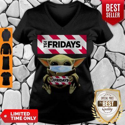 Nice Baby Yoda Mask TGI Fridays Coronavirus V-neck