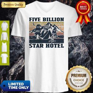 Nice Vintage Owl Mountain Five Billion Star Hotel V-Neck