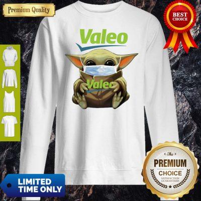 Pretty Star Wars Baby Yoda Hug Valeo Mask Covid-19 Sweatshirt