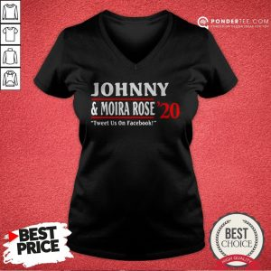 Jonny And Moira Rose 2020 Tweet Us On Facebook V-neck - Desisn By Warmtees.com