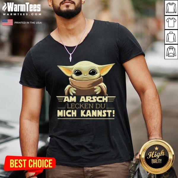 Top Baby Yodda Am Arsch Lecken Du Mich Kannst V-neck - Desisn By Warmtees.com
