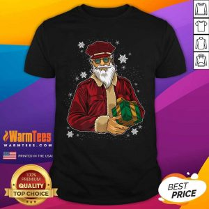 Cool Santa Police Officer Giving Gift On Xmas Santa Christmas Shirt - Design By Warmtees.com