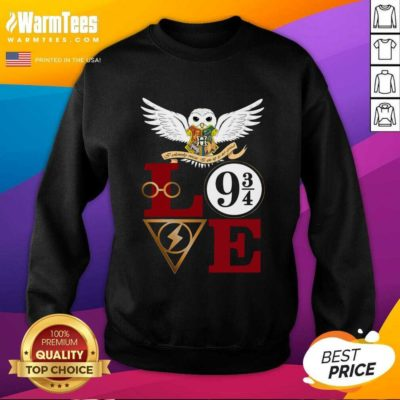 Hogwarts Love 9 34 SweatShirt - Design By Warmtees.com