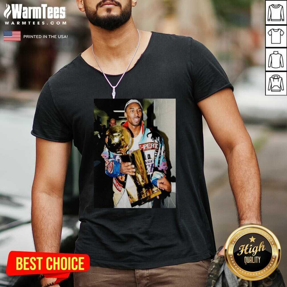 Vintage Kobe Bryant After Winning Title V-neck  - Design By Warmtees.com