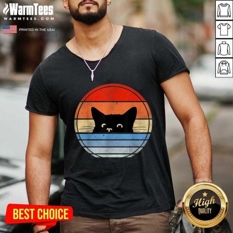Nice Retro Black Cat Enthusiastic 46 V-neck